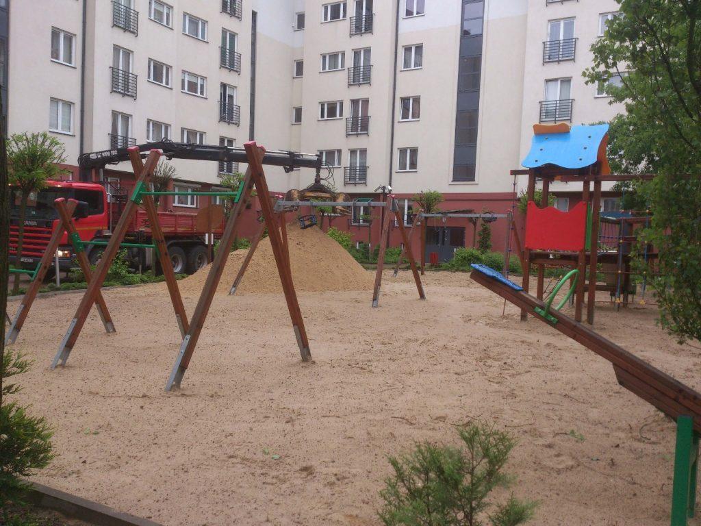 zmiana-Wymiana piasku w piaskownicy