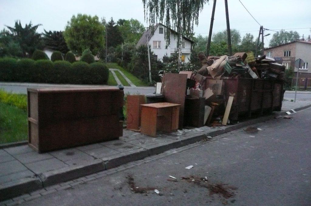wywóz starych zbednych mebli Łódź
