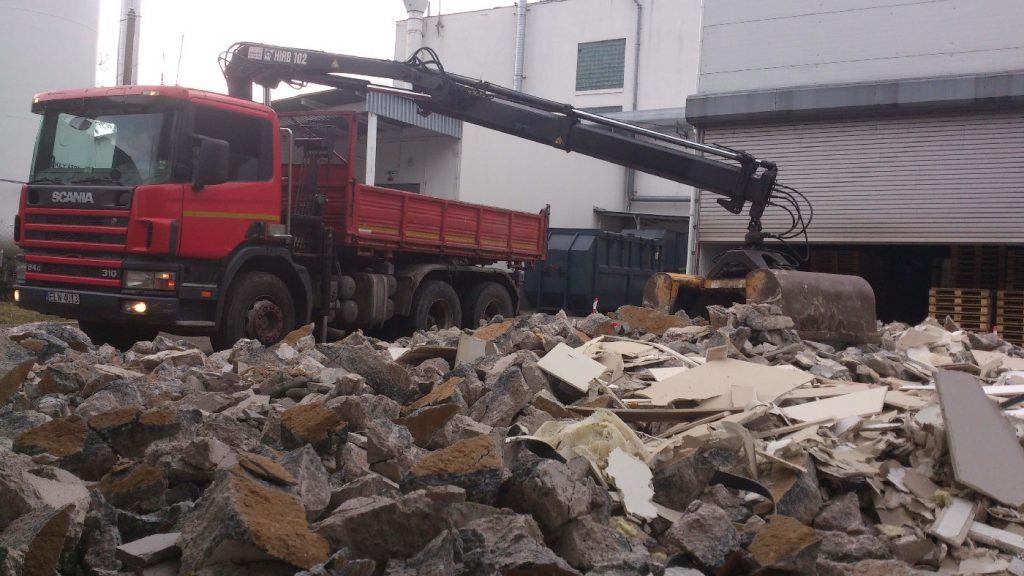 Co robić z odpadami po budowie?